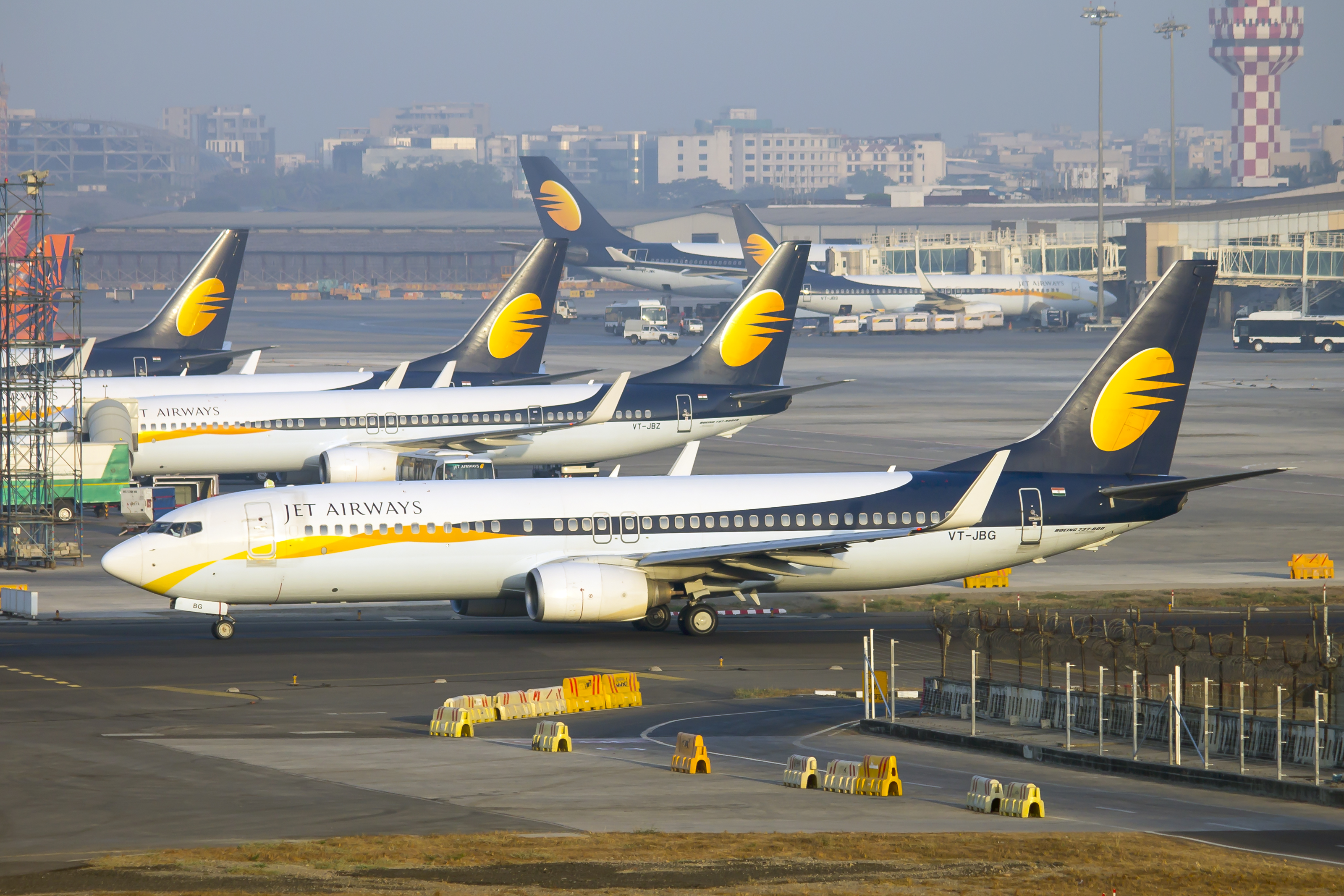 image_of_of_jet_airways_planes_on_runway